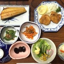 *夕食一例/大女将が愛情込めて育てた自家栽培の会津高原野菜など、地産食材をお愉しみください