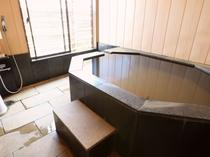 貸切風呂、内湯タイプ一例です。