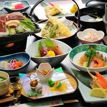 和会席料理。盛り沢山の内容は、幅広い世代までお喜びいただいております