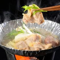川俣シャモ鍋。豊かなコクと風味が人気。