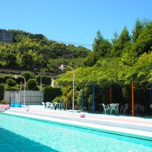 25Mの屋外温水プール