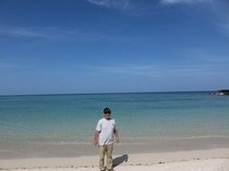 車で10分で行けます。美しい海!高野漁港。