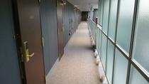 新館4階通路
