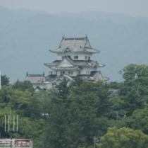 上野城 別名白鳳城とも呼ばれ黒澤明監督映画の舞台にもなりました。当ホテルより750m