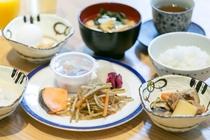 朝食ブッフェ 和食盛り付け例