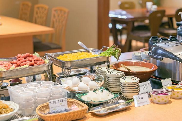 手作りのおふくろの味が好評の朝食ブッフェ