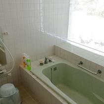 スタンダードコテージ:バスルーム(一例)