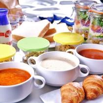 お部屋で朝食セット