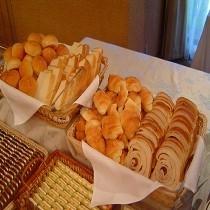 【ホテル朝食バイキング】パン一例