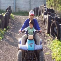 鷹山ファミリー牧場でバギー乗車