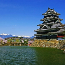 【国宝松本城】ホテルから約40分!五重六階の天守として日本最古!