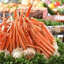 定番の蟹も食べ放題。味わい尽くす旅をどうぞ。