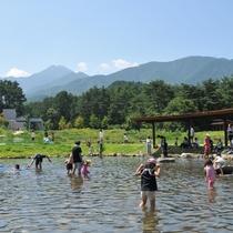 【国営アルプスあづみの公園】じゃぶじゃぶ池で、小さなお子様でも安心して思いっきり水遊び♪
