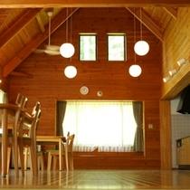 ■客室■大型コテージ 室内一例
