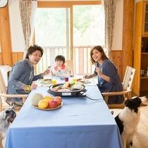 ■お部屋でお食事♪ケータリング例■ わんちゃんコテージでは愛犬とお食事が楽しめます♪