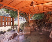 殿方露天風呂「渓流の湯」