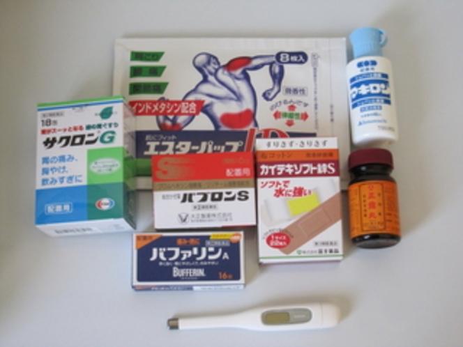 薬、体温計