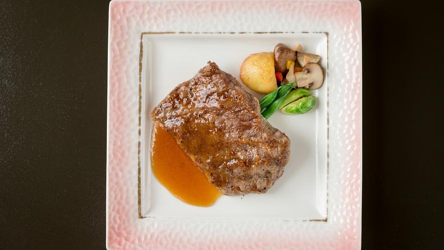 【国産牛ステーキ】