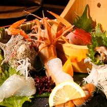 【季節の懐石料理 一例 季節のお造り】