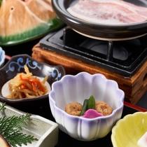 阿蘇の湧水で炊いたおいしいご飯をお召し上がりください。