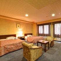*デラックスツイン(客室一例)/ちょっと贅沢なご旅行に。広々としたツインルームでお寛ぎ下さい。