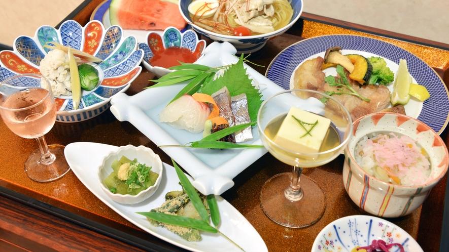 *お夕食一例(夏会席料理)/八幡浜の旬味がぎっしり詰まった期間限定の夏会席料理をご賞味下さい。