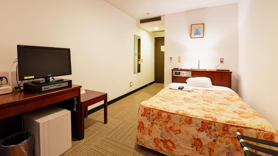 セミダブルベットのお部屋◎全室有線ブロードバンドLANを設置。