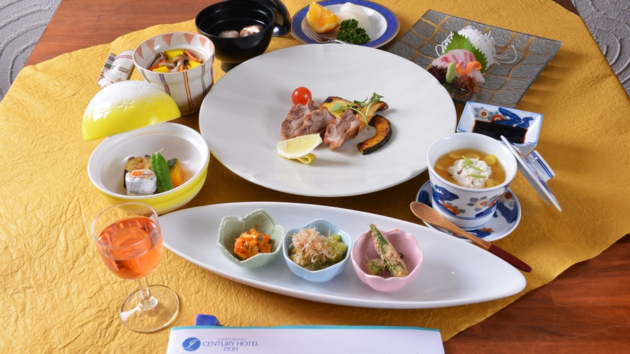 *お夕食一例(秋会席料理)/八幡浜の旬味がぎっしり詰まった期間限定の秋会席料理をご賞味下さい。