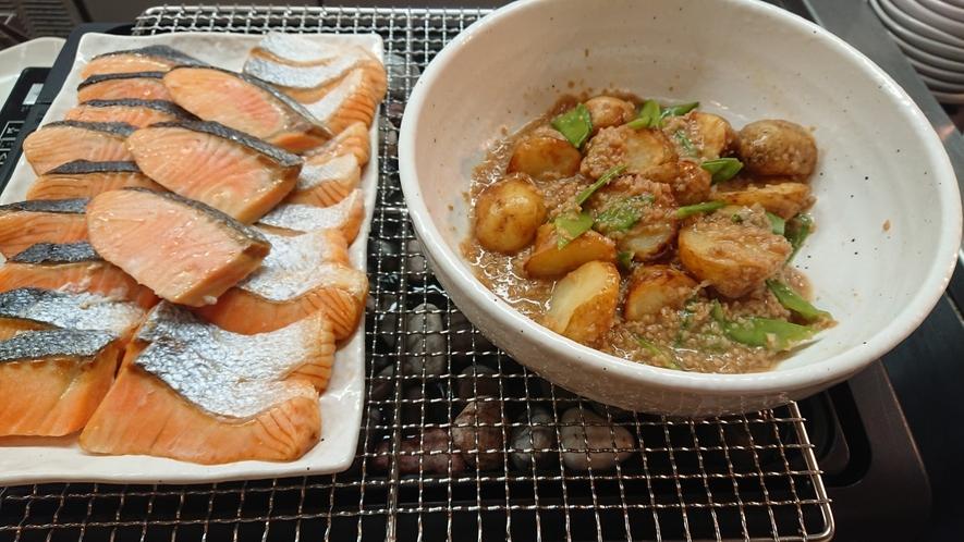 焼き魚と煮物※お魚は日替わりで提供しております