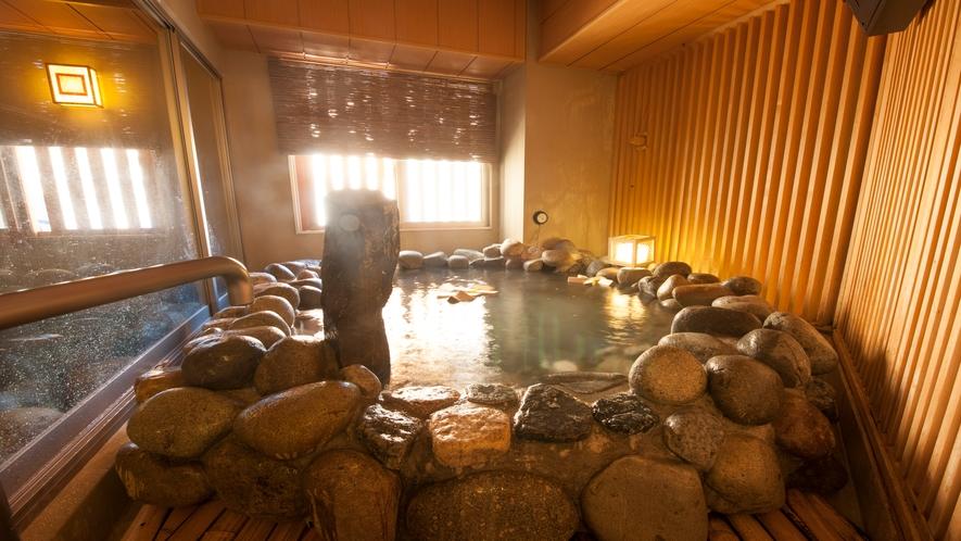■男性大浴場(岩風呂)TV付き (湯温41~42℃)