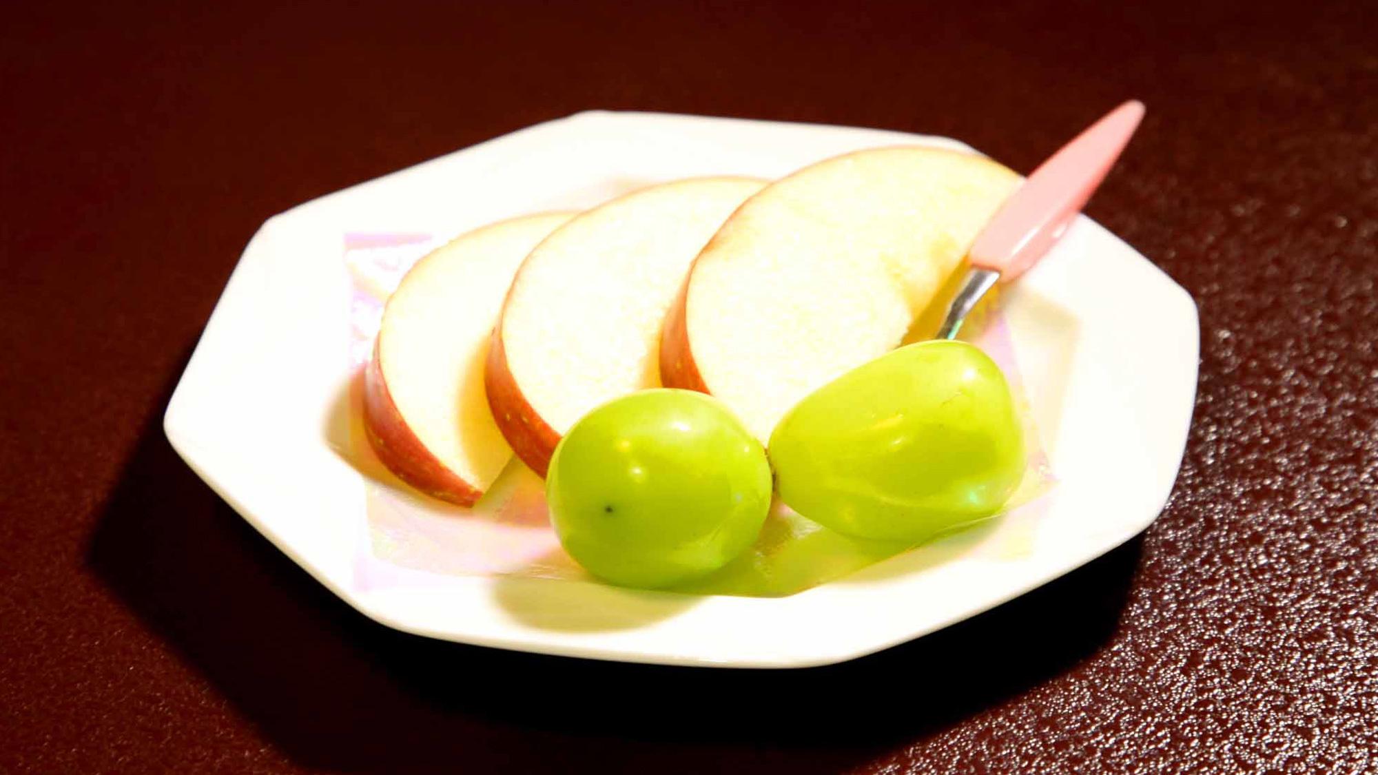 *水菓子一例:信濃スウィート・シャインマスカット