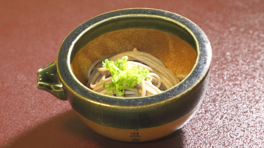 *お夕食:信州といえばお蕎麦!新そばは毎年10月以降ご提供いたしております。