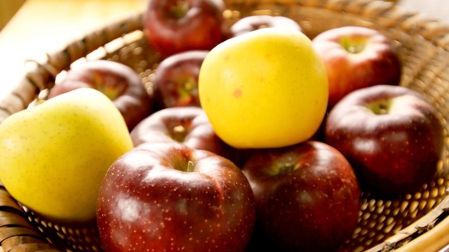 *周辺観光:当館からお車で15分の山田牧場 見晴茶屋ではりんご1つから販売いたしております