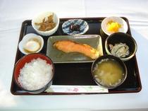 朝食例(和食・鮭)