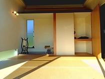 【琉球畳の和室(6畳)】昼間は日差しが入り居心地の良い和室