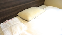 ■低反発チップ枕■低反発チップをたっぷりと使用した硬すぎず心地よい感触の枕です。