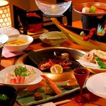 【夕食一例】新鮮な海の幸をたっぷりご堪能ください。