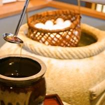 お食事処では、朝夕ともに自家源泉で作る温泉卵をご用意♪秘伝のたれでお召し上がりください♪