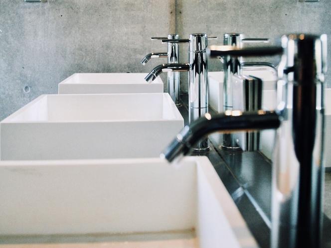 共用の洗面所