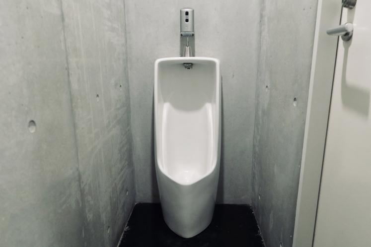共用の男性専用トイレ