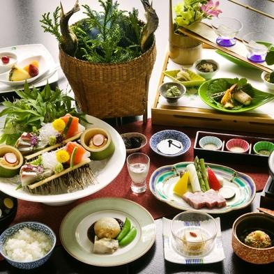 ■2連泊■ 料理内容がガラリと変化☆多彩な料理と姉妹館『明賀屋』の温泉もゆっくり堪能する極楽プラン♪
