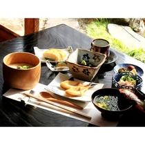 【朝食】多くの「朝食ファン」の皆様から四半世紀以上に渡って愛されてきた幻の朝食を是非!