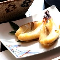 【朝食】珍しいフグの干物です。