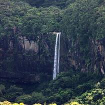 ヒナイサーラの滝