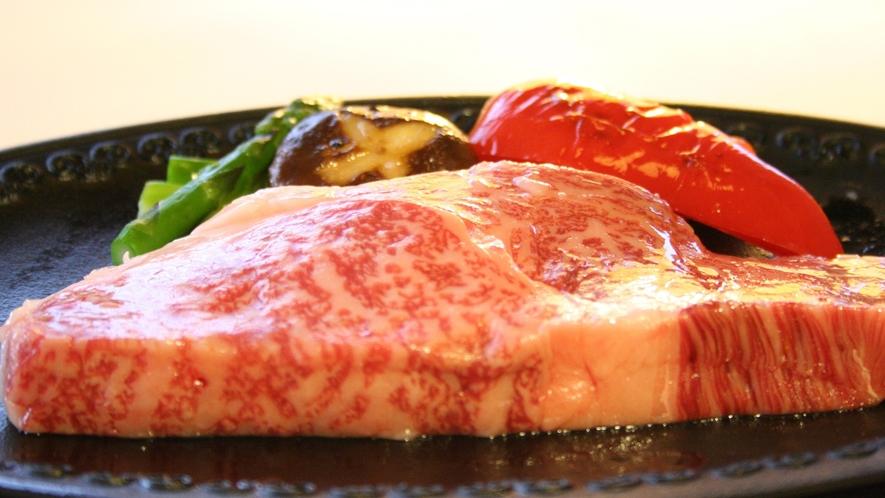 【ご夕食一例】日本三大牛の一つ「前沢牛」ステーキ。肉の旨みととろける美味しさは絶品です ※イメージ