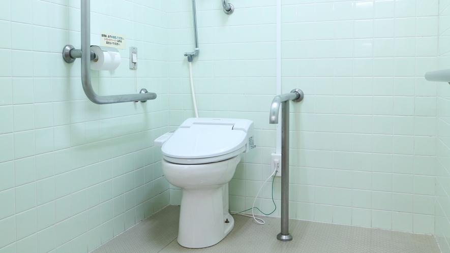 *【館内】バリアフリートイレでございます。車椅子の方も安心してご利用いただけます