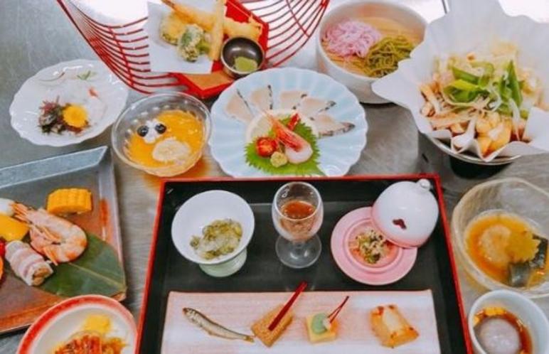 【料理】水無月会席でございます。 旬の食材を満喫ください。