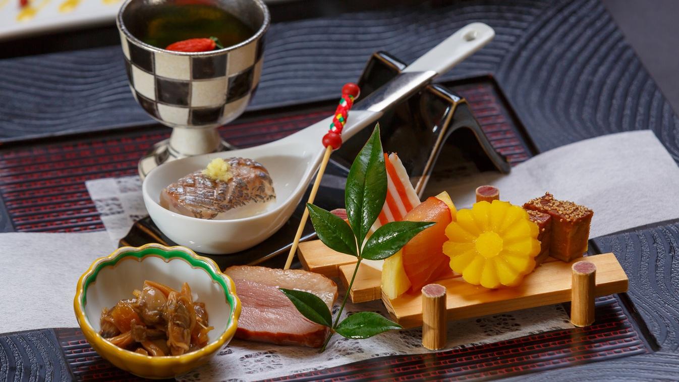 【夕食】前菜一例 海の幸と山の幸に恵まれた修善寺ならではの旬の素材を使った趣肴会席