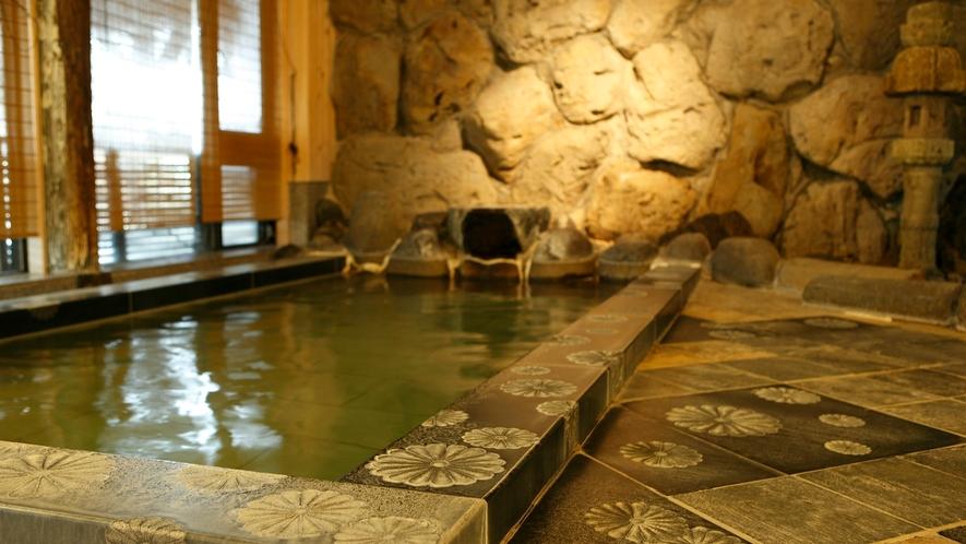 【大浴場:内風呂】「菊風呂」至る所に菊の紋章が施された大浴場(男女入替制)