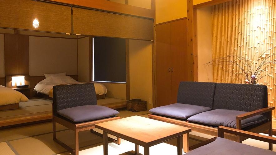 【離れ草庵53㎡】源泉掛け流し露天風呂付客室。天井が高く、開放感のあるモダンな造り